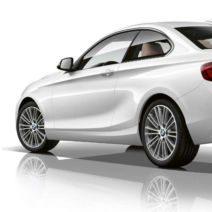 BMW 2 Series Coupé, Model Luxury Line three-quarter rear shot